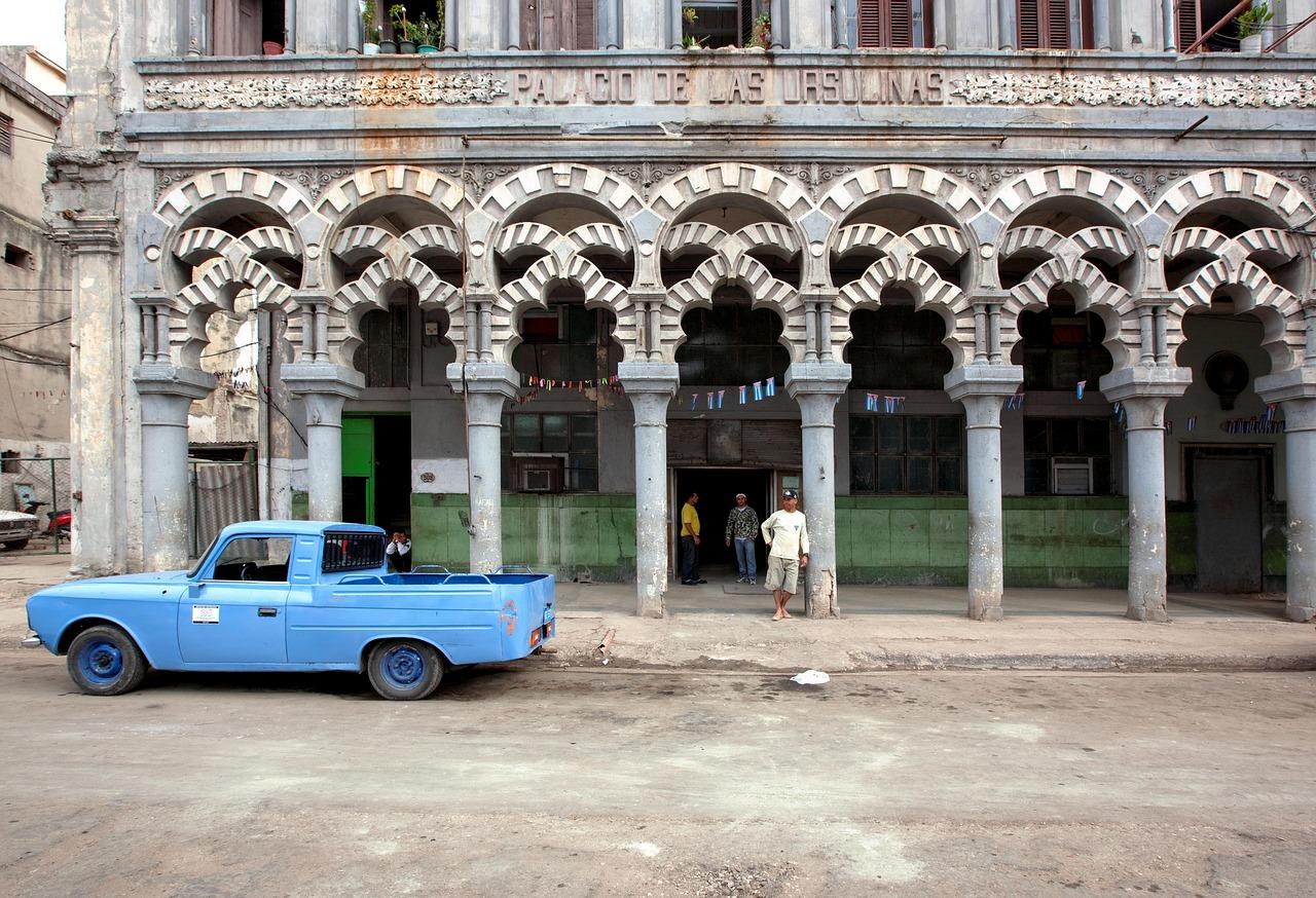 Découvrir Cuba et ses belles architectures.